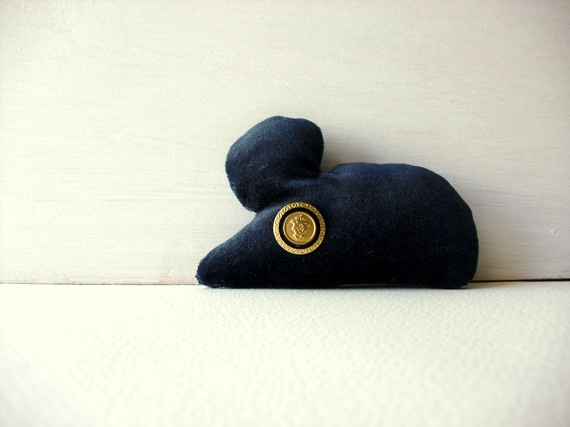 Brando The mouse  Fabric brooch  ooak soft sculpture by fattidame, €13.00