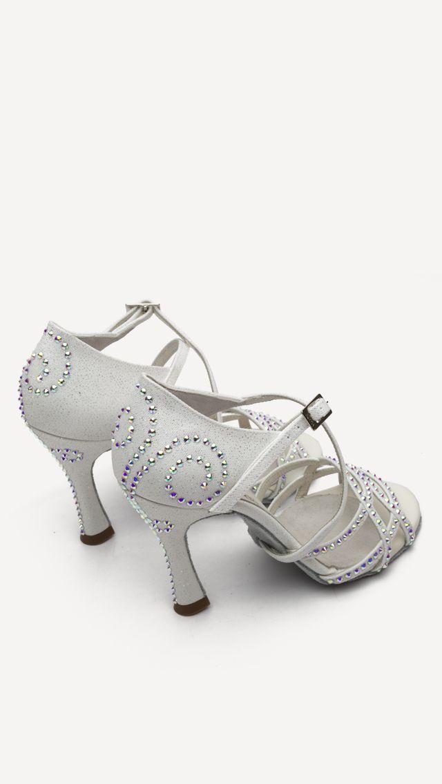 😍❤️💕 Próximamente a la venta online!!! 😍 😍 Puedes comprarlos en nuestras tiendas oficiales de Zapatos Manuel Reina - Madrid y Zapatos Manuel Reina - Barcelona!!🛍🛍 #QueBonitosPorFavor #AmiMeDaAlgo #MisZapatosSonHermosos #HechosaMano #SoloMios #PasionPorLaModa #ElArmarioDeMiVida #ZapatosUnicos #AnitaPearl #ZapatosReina #LaReinaDeMiArmario #musthave #dance #dancers #danceshoes #sandalias #custom #ilovedance #sandals #fashion #moda #style #salsa #rumba #essentials