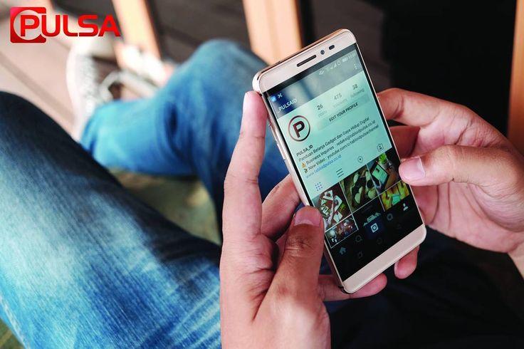 Cooldpad Max hadir dengan fitur unggulannya Dual Space konsumen seolah-olah memiliki dua smartphone. Pasalnya dengan fitur ini Anda bisa mengatur dua akun berbeda untuk beragam keperluan (Public Space dan Private Space). Ingin tampil beda dari brand lain Coolpad Max hadir dengan konsep dual system yang disebut Dual Space. Dengan fungsi ini Anda seakan-akan memiliki dua smartphone dalam satu perangkat. Perpindah antar space pun sangat mudah hanya dengan menggunakan satu jari dan diproteksi…