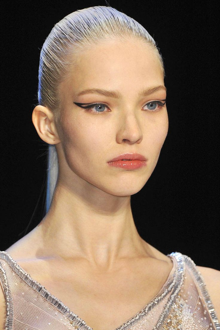 Fall 2014 Runway Beauty - Hair, Makeup and Nails from New York Fashion Week Fall 2014 - Harper's BAZAAR