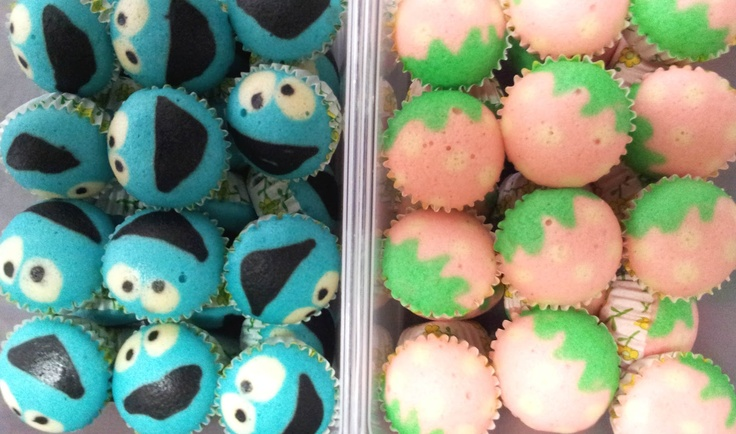 cookie monster and strawberry steamed cupcakes