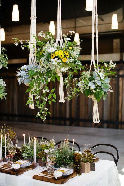 hanging flowers, wood blocks