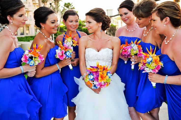 Something old, something new, something borrowed, something blue...  I love this photo of our bride and her bridesmaids so much. So much love and so much gorgeousness!   #wedding #makeup #makeupartist #beauty #love #bridetobe #wedspiration #destinationwedding #cabo #cabosanlucas #mexicowedding #loscaboswedding #almavallejo #cabomakeup #weddings #bride #bridal #bridalmakeup #bridalhair #hairstyle #airbrush #bridesmaids #bridalparty #novia #cabomakeupartist #somethingblue