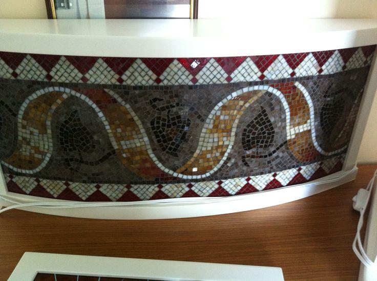 Bombeli cam zemine çalışılmış istanbul mozaik müzesinde bulunan kenar bezeme deseni uygulanmış 60x36 cm buyutunda aydınlatma Uygulama Hilal Taşcı Üğütgen