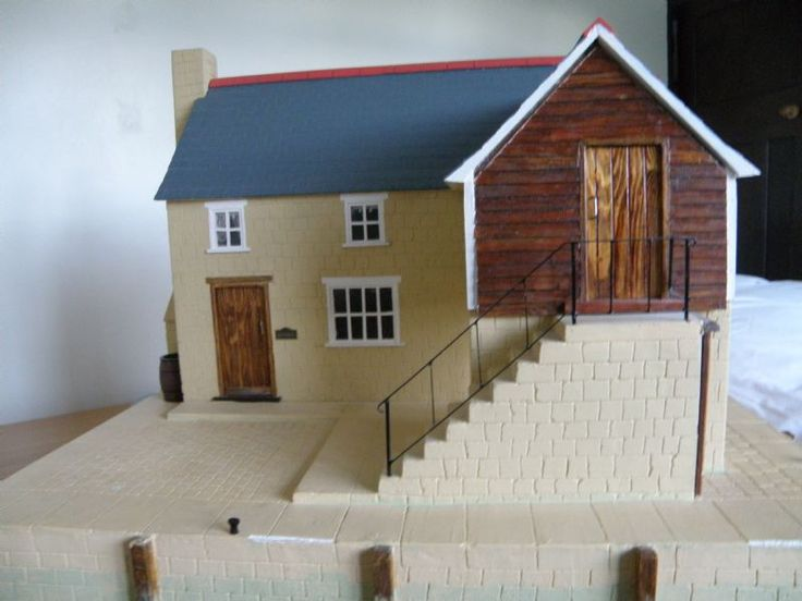 For Sale - Lovely Pre-loved Dolls House for sale - The Dolls House Exchange