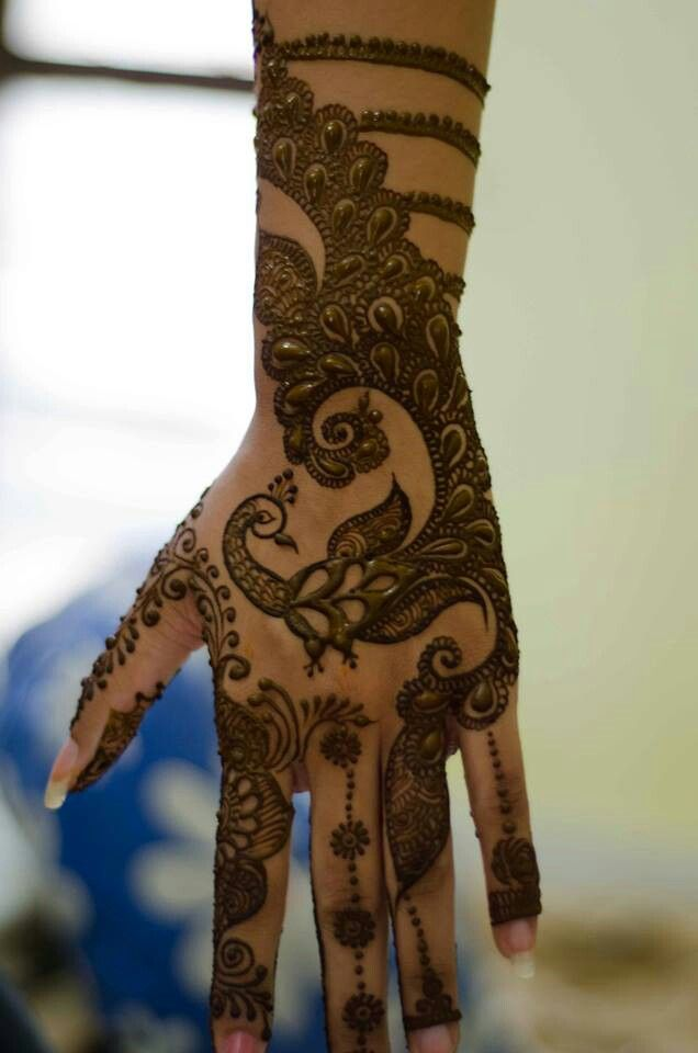 The best peacock mehndi design.  Henna  indian wedding, Mendhi Design for an Indian wedding, desi bridal henna, #henna #mehndi #desiwedding