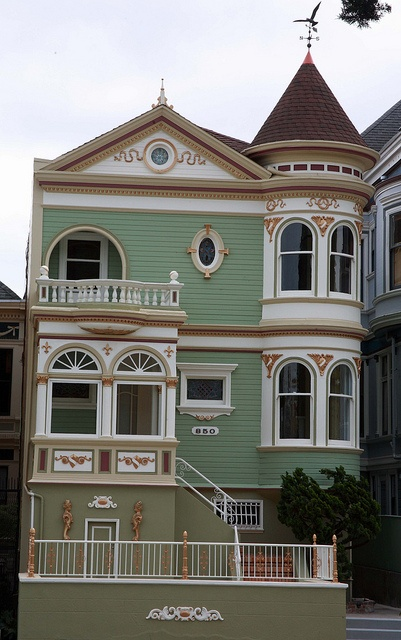 Victorian houses in San Francisco by Alaskan Dude, via Flickr