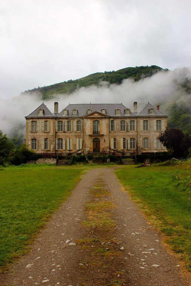 château in the south of France under restoration