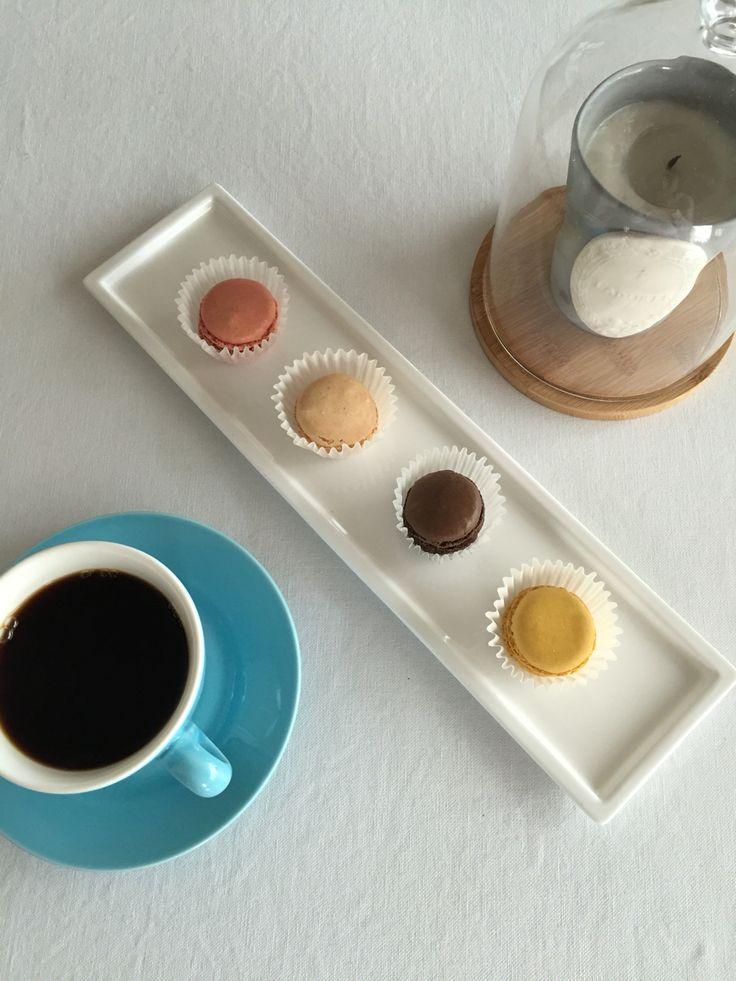 hand drip morning coffee & macaron