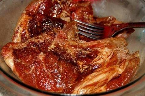 Kerrie Varkenskarbonade Voor Op BBQ recept | Smulweb.nl   MARINADE:  4 schouderkarbonade van de varken 1 e kerriepoeder 1/2 t knoflookpoeder 1/2 t korianderpoeder 1/4 t gemberpoeder 1/4 t cayennepeper 1/4 t zwarte peper 3-4 e olie