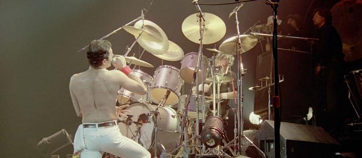 Poporama » Peter Freestone, una biografia intima di Freddie Mercury