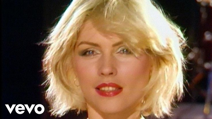 Official video of Blondie performing Heart Of Glass from the album Parallel Lines. Buy It Here: http://smarturl.it/tshaz0 Like Blondie on Facebook: http://ww...