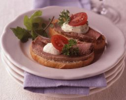 Beef Tenderloin Crostini - I've made this and it is fabulous! Tip:An ...