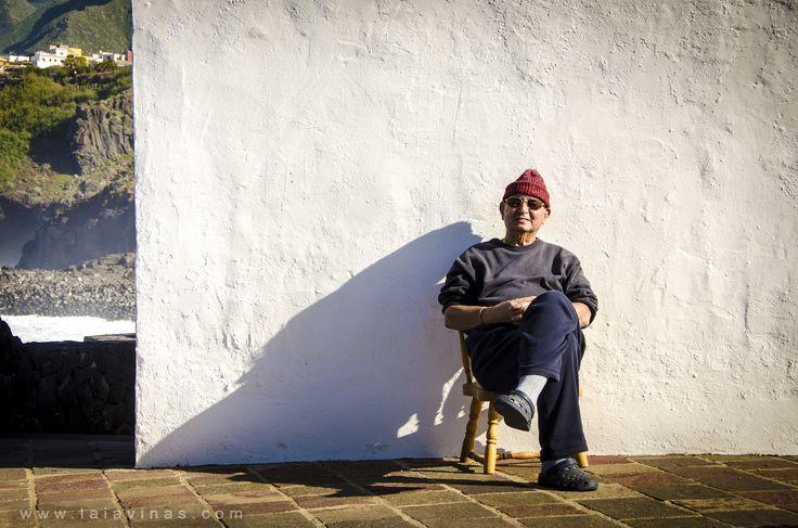 El guardián de la costa de Tejina nos da la bienvenida a Tenerife :-) El Teide es el responsable del nombre actual de la isla, ya que fue dado por los benahoaritas (aborígenes de La Palma) según las palabras Tener (blanca) e ife (montaña).