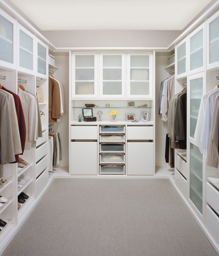 Legacy deluxe walk in closet in an antique white nish for Walk in closet white
