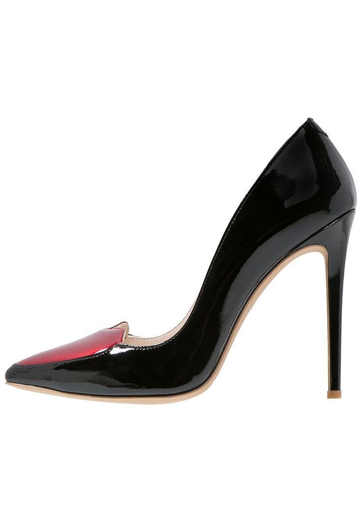 ber ideen zu high heels rote sohle auf pinterest damen sommerschuhe abs tze und absatz. Black Bedroom Furniture Sets. Home Design Ideas