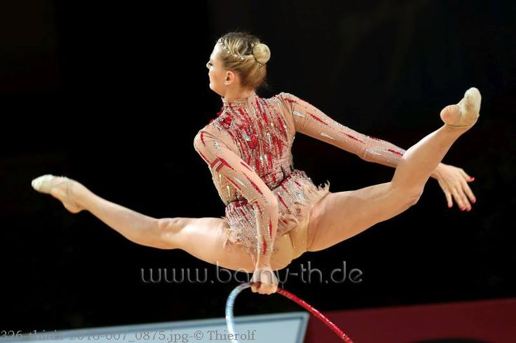 Nicol Ruprecht (Austria) got 16.883 points for hoop at Qualifications, Olympic Games 2016