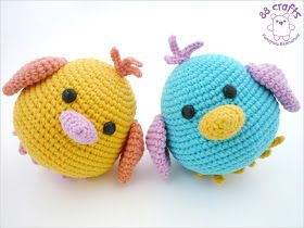 Hey, these two little fellows remind me a lot of the bluebird from Stacey Trock's amigurumi class on craftsy (and the additional feet and top feathers I made myself)... What a coincidence.
