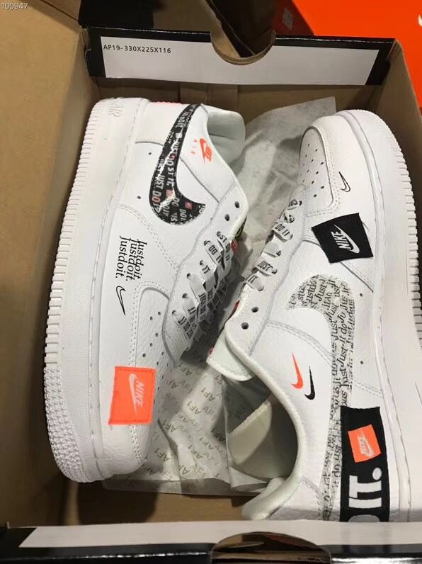 114ae791701cf NIKE AIR FORCE 1 LOW RETRO