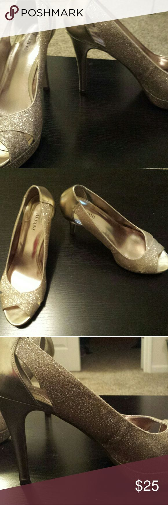 "Size 8.5 Alfani gold peep toe heels Like new condition. Size 8.5 Alfani gold glitter heels. Worn once. 3"" heel. Alfani Shoes"