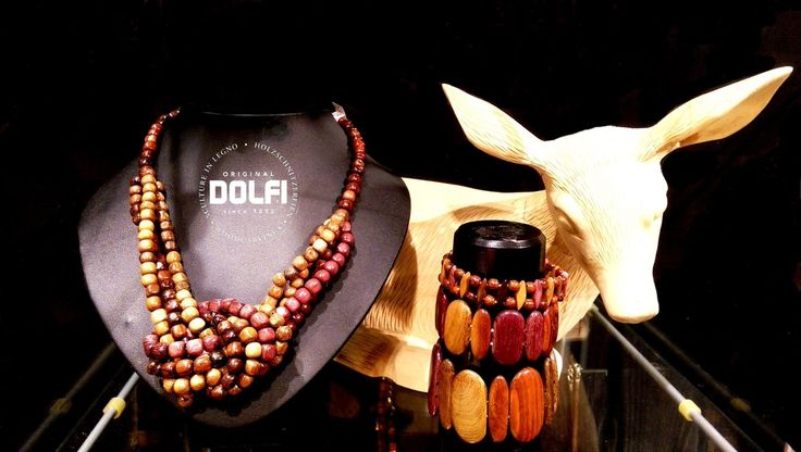 Vi presentiamo la nostra bellissima collezione di collane, anelli, orecchini e braccialetti fatti in legno !! http://www.dolfi.com/it/dolfi-online-shop/gioielli-in-legno Il vostro Dolfi Team  We present you our wonderful wooden collection of necklaces, rings, earrings and bracelets !! http://www.dolfi.com/en/dolfi-online-shop/costume-jewelry Your Dolfi Team
