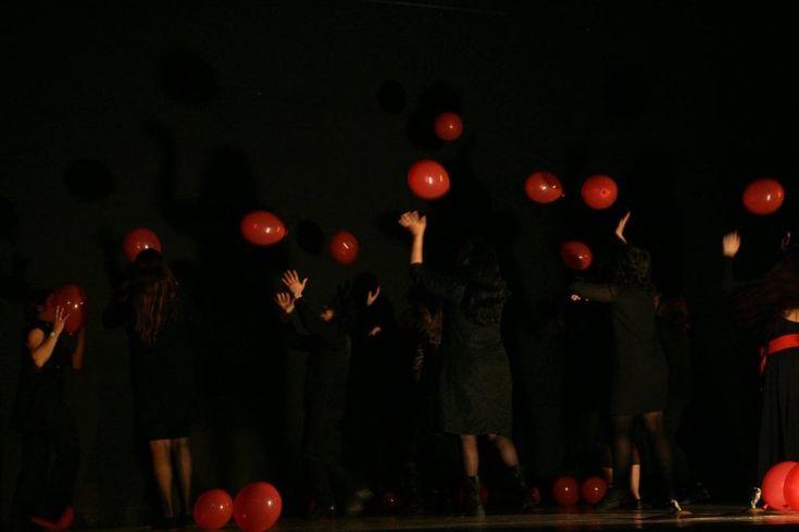 Le detenute del carcere Pagliarelli raccontano storie di rinascita e riscoperta della femminilità sul palco del Teatro Biondo. L'appuntamento