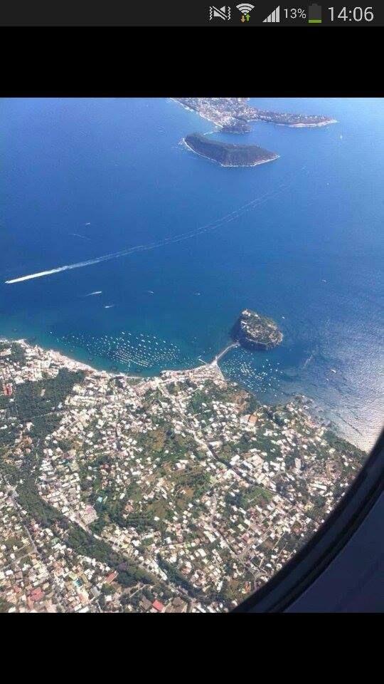 Anche dall'alto, Ischia, è incantevole...