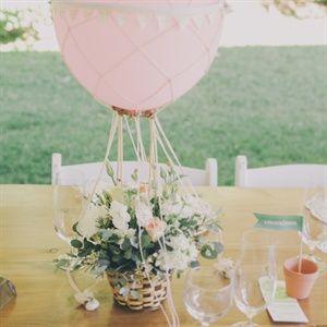 DIY Weddings, Unique Wedding Ideas, Centerpieces, Garden Wedding, Spring Wedding, Wedding on A Budget, Floral Arrangements #inexpensiveweddingideas