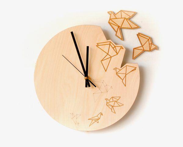 Оригинальные деревянные часы   #Оригинальныедеревянныечасы #деревянныечасы #черныйцвет #часы #дизайн #интерьер #стиль #строители #строительство #строительныйпортал #stroitelinetua