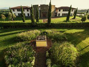 Ein romantisches Apartment in einem eleganten Weingut in den Hügeln der Toskana.