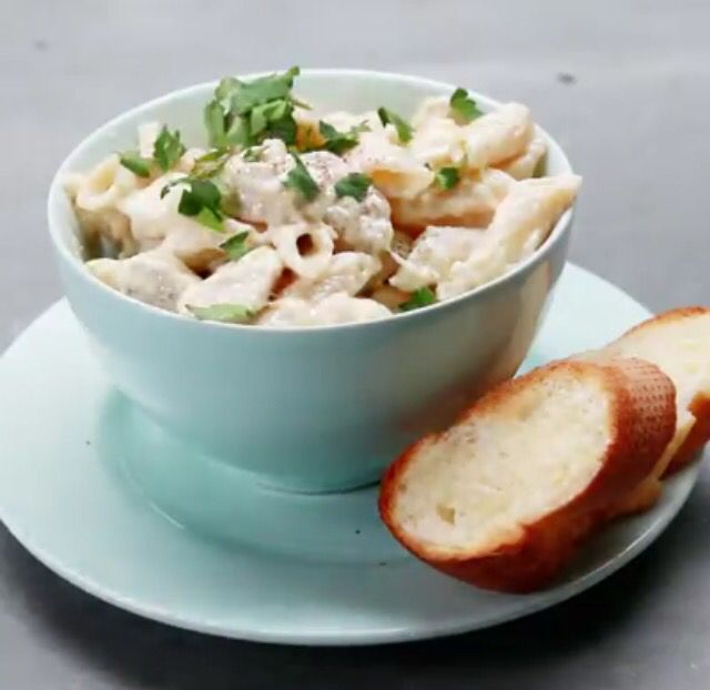 1-Pot Chicken Alfredo RECIPE: (serves 2-4) 1 Tbsp. olive oil 2 chicken breasts, cubed 3 garlic cloves, minced 14 oz chicken broth 1 cup heavy cream 1/2 lb uncooked penne pasta 1.5 cups grated parmesan parsley for garnish (optional) In a pot, heat oil & br