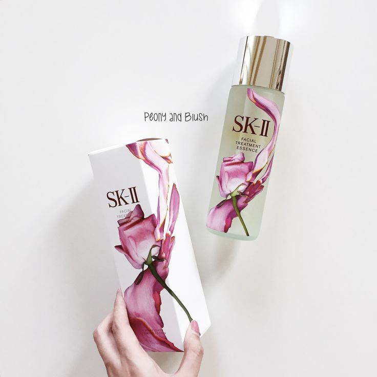 PEONY AND BLUSH // SKII Facial Treatment Essence Review