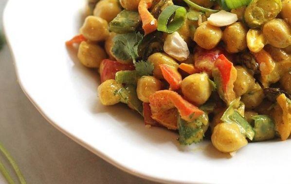 Вкусна салата от нахут