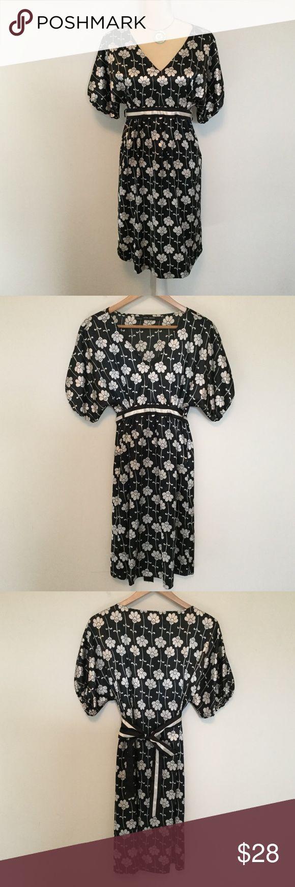 Cute Zara Basic High Waist Dress M Such a cute Zara Basic high waisted dress wit…