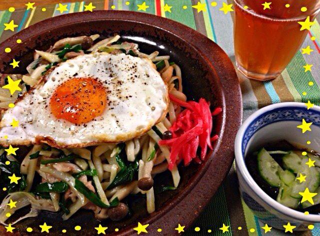 本当は焼きそば麺を買おうと思ったら… うどん麺が特売で19円…買いでしょ❗️  で…長ネギとニラたっぷりの塩味の焼きうどんとなりました(^○^) - 57件のもぐもぐ - 長ネギとニラと千切りジャガイモの塩味うどん。もずく酢。2014.02.09 by mariko616