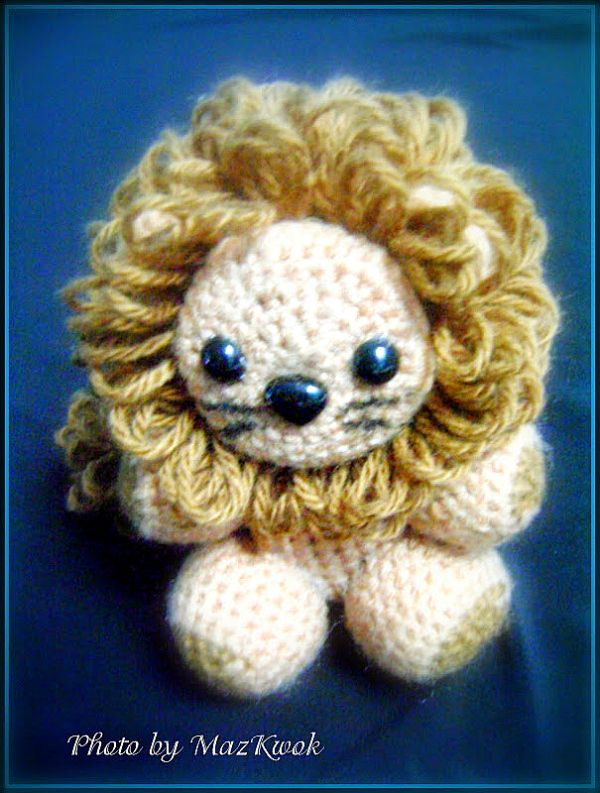 Little lion amigurumi crochet pattern - Maz Kwok's Designs: