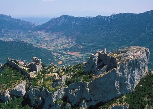 Vue aérienne de la citadelle de Peyrepertuse