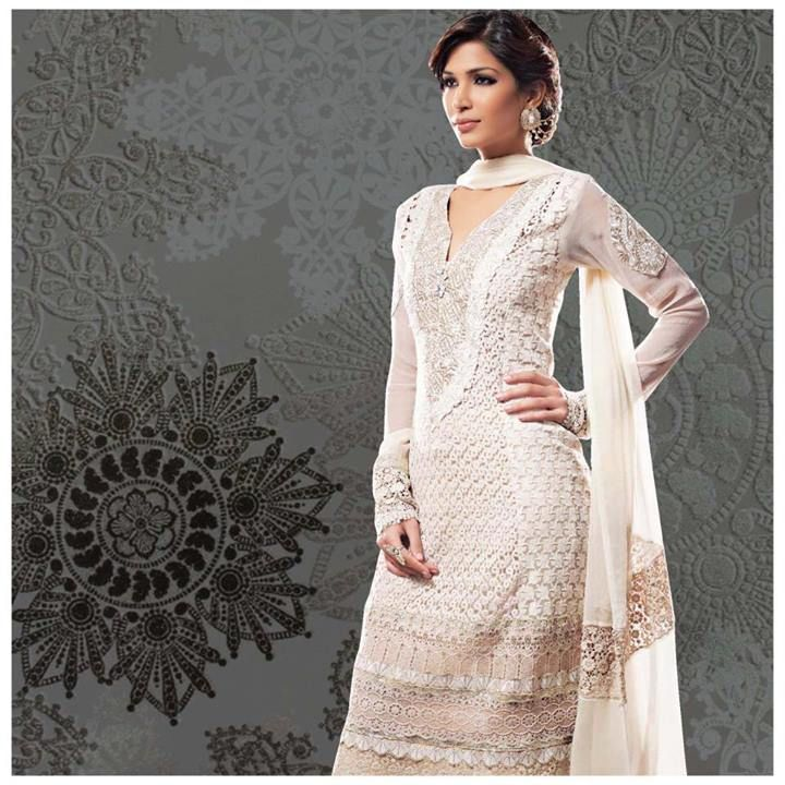Spruce up your #wardrobe with this #trendy and extravagant salwar kameez collection from Paisley