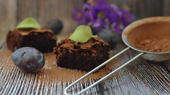 Шоколадные брауни с черносливом. Пошаговый рецепт с фото, удобный поиск рецептов на Gastronom.ru