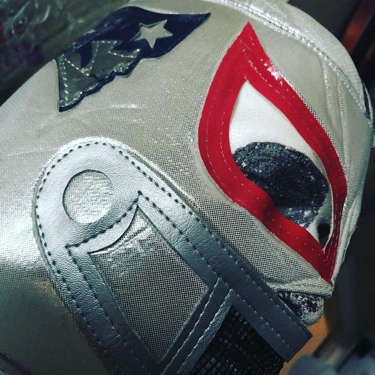 LETS GO PATS !! #superbowl50  #nfl #patriots #eagles #letsgopats #tombrady #nfl #americanfootball #masks #luchalibre #patriotnation