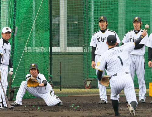 【阪神】球児が捕手?鳥谷が投手?