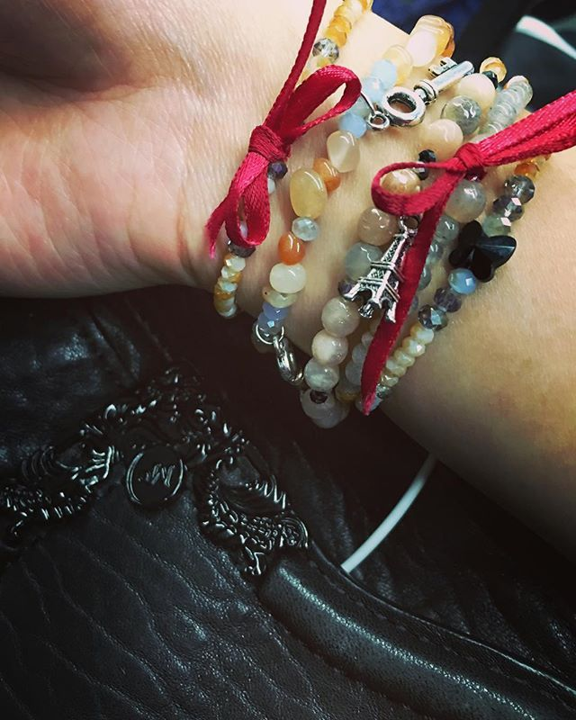Perfect accompaniment to a bit of McQueen - The Damian and the Mrs Norbury Beaded Bracelet Sets from SoFetchYo (check deets in bio) #beadbracelet #charmbracelet #beadbraceletset #bows #charms #sparkle #gemstones #pretty #jewelry #feminine