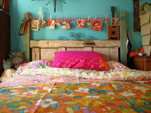 Google Image Result for http://3.bp.blogspot.com/-VGJjj2Wan1s/Tx4jJBOuwSI/AAAAAAAAFZ8/KN35jvTz98Q/s1600/bohemian-pink-turquoise-bedroom.jpg