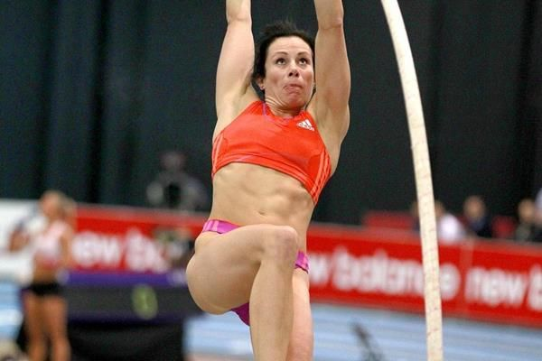 Northeast US Post-College and Masters Vaulters 2016 #2 – Jenn Suhr breaks World Record!