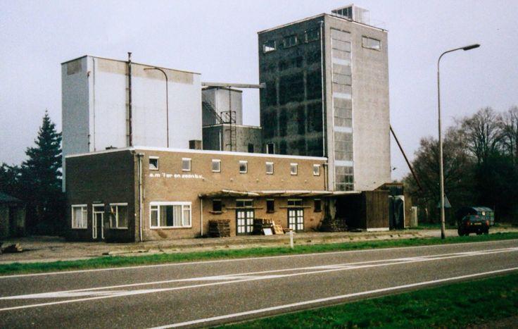 De silo van C.A. Muller was jarenlang een blikvanger aan de Rijssenseweg.
