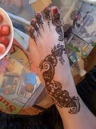 hena tattoo on foot