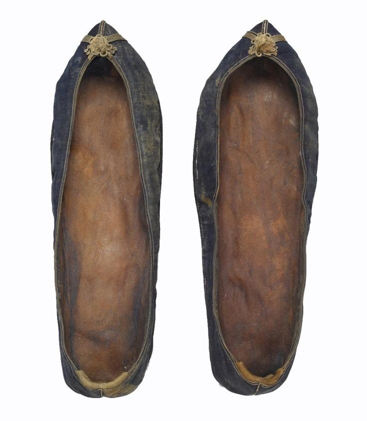 """""""A pair of women's shoes from the tomb of Lady Kim of Gang-reung (died at 38)."""" circa 1520. From Seok Juseon Memorial Museum, Dankook University."""