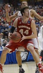 Frank Kaminsky-- #CollegeBasketballWisconsinBadger #supertall!! ( just like me.. Lol)