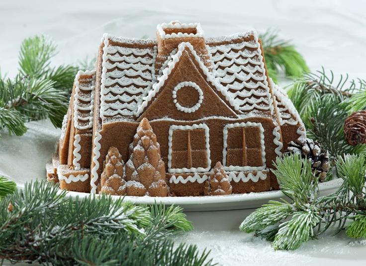 Forma do ciasta Domek z piernika, dowiedz się więcej na FabrykaForm.pl