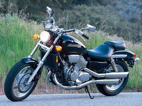 Honda Magna 750: Heavy-Hitting Middleweight Motorcycle | Motorcycle Cruiser